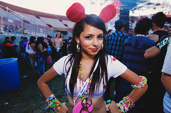hot_raver_girls_028