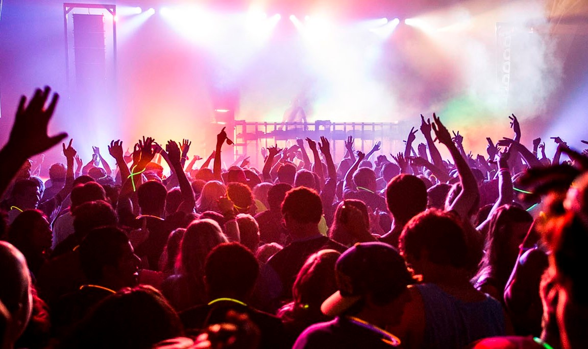 edm-rave-crowd (1)