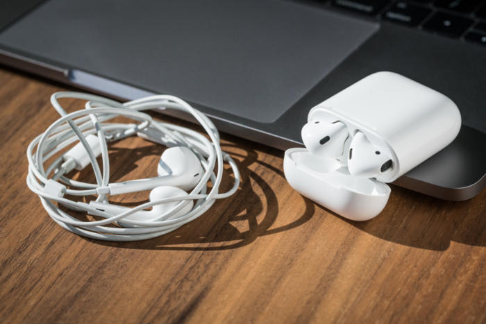 apple_airpods_review_adam_no_tangles-100699781-large-3x2